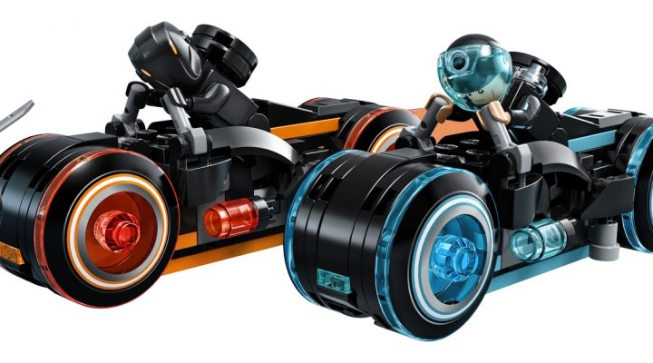 Introducing LEGO® Ideas 21314 TRON: Legacy