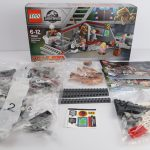 LEGO Jurassic Park Velociraptor Chase Review Box Contents set 75932