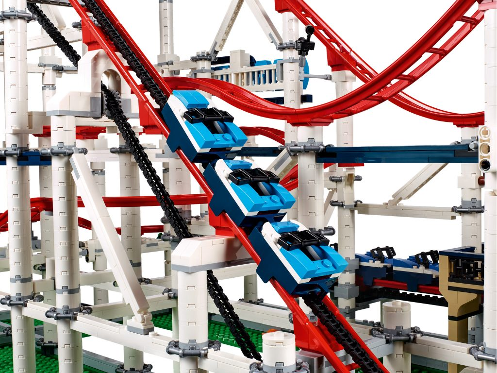 LEGO Creator Expert Roller Coaster 10261 | Cars Going up