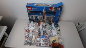 LEGO City Deep Space Rocket and Launch Control 60228 - In the Box