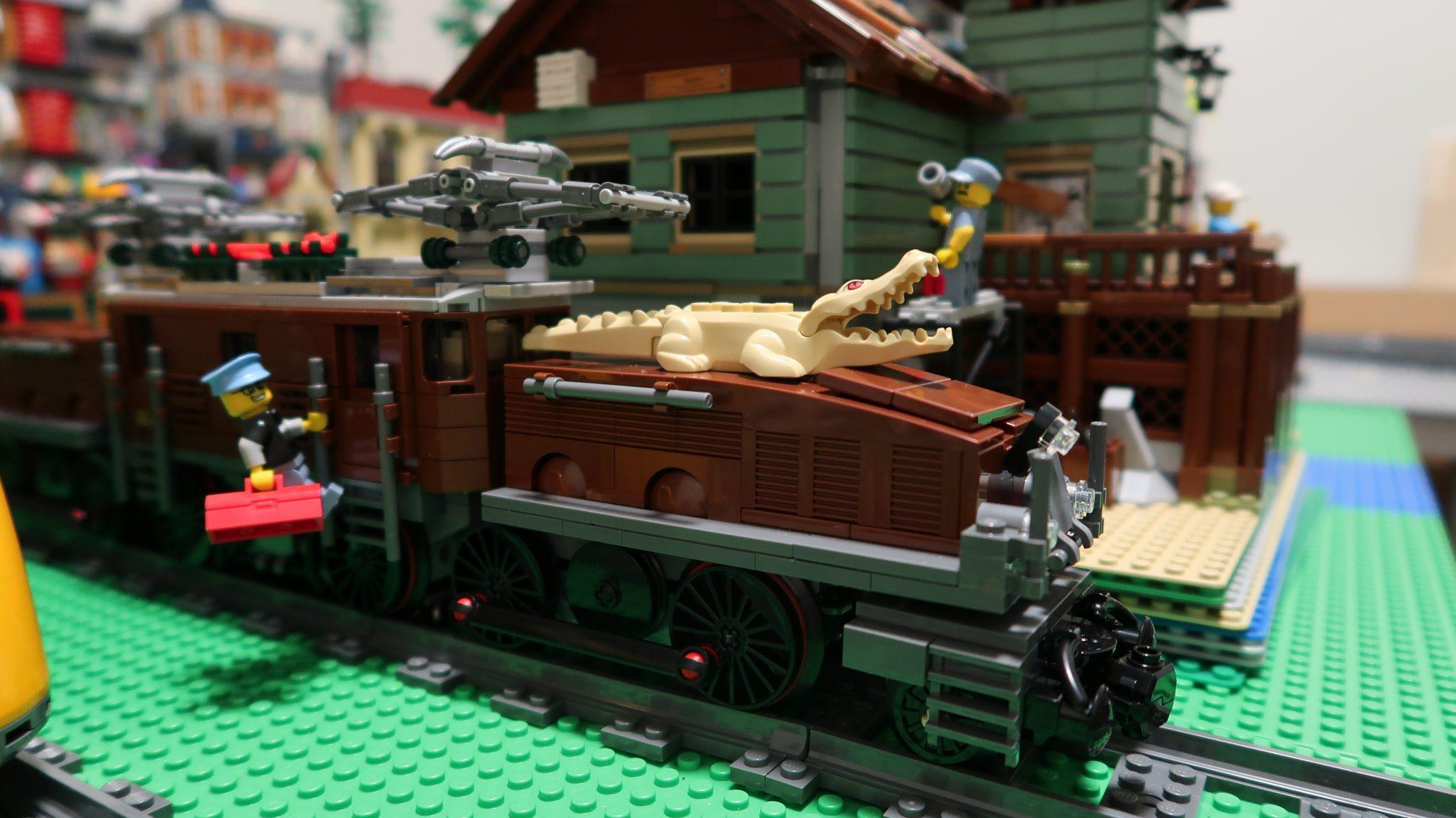Choo! Choo! The train now pulling into Studsburg is the LEGO crocodile locomotive 10277!